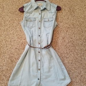 Dresses & Skirts - NWT! Women's Denim Sleeveless Button Up Dress Sm